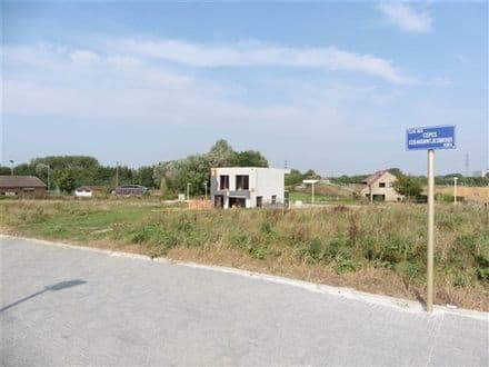 Building land<span>378</span>m² for rent